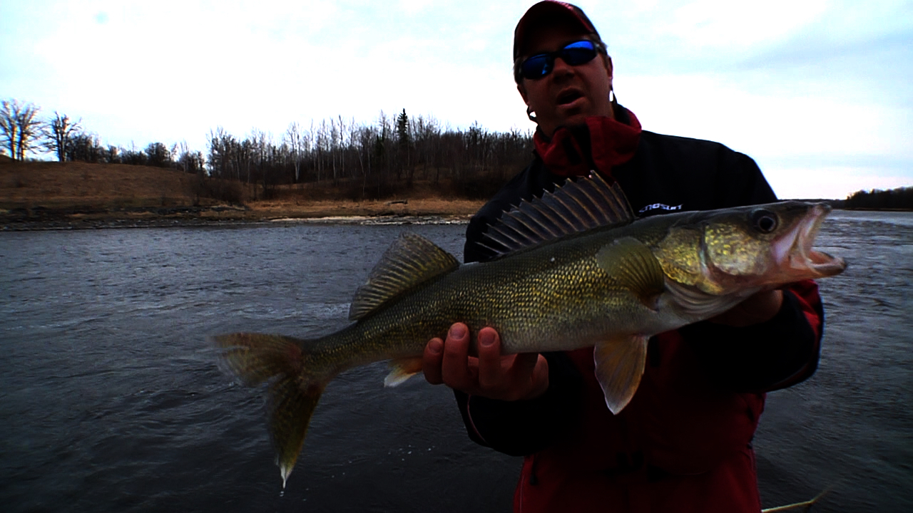 Spring on rainy river in depth outdoors for Rainy river fishing reports