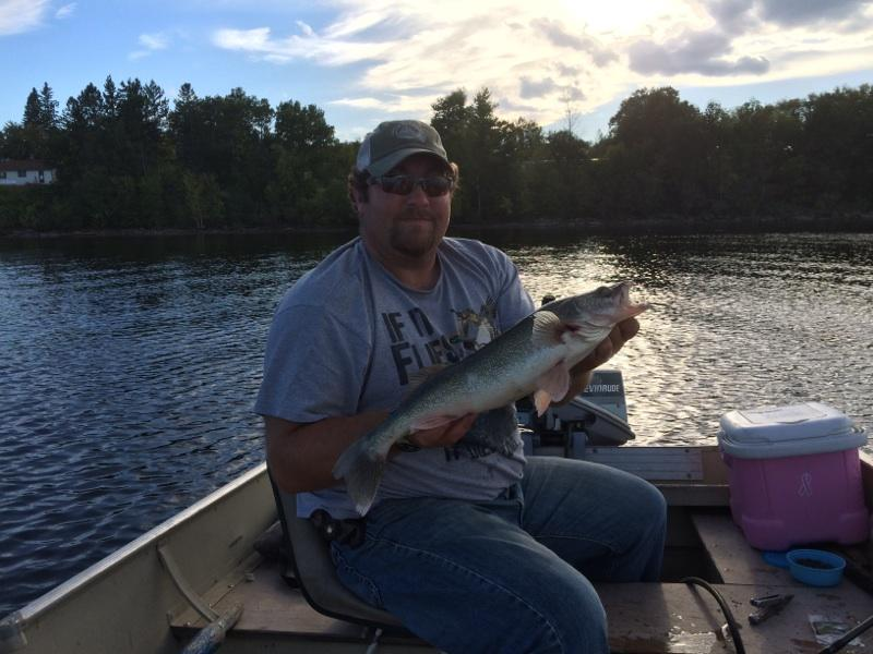 Sturgeon report on the rainy river lake of the woods for Rainy river fishing reports