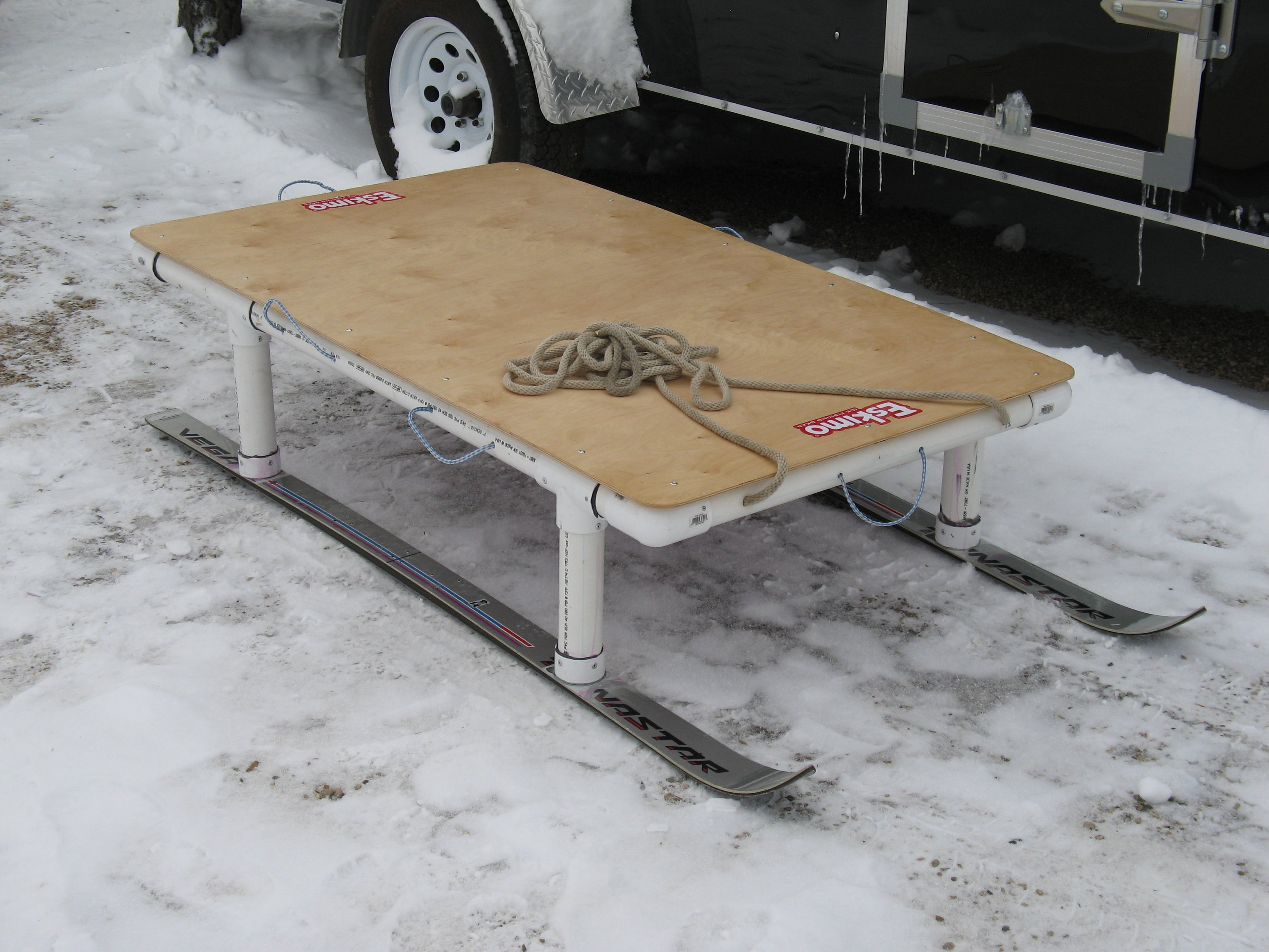 Smitty sleds ice fishing forum in depth outdoors for Ice fishing sleds
