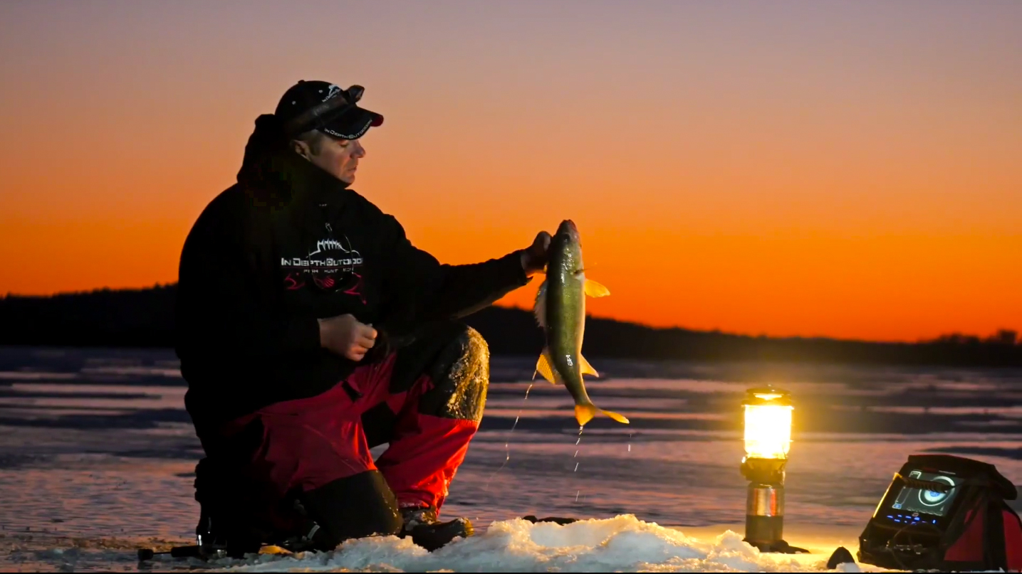 Ice fishing lantern light eyes season 9 episode 3 for Leech lake ice fishing