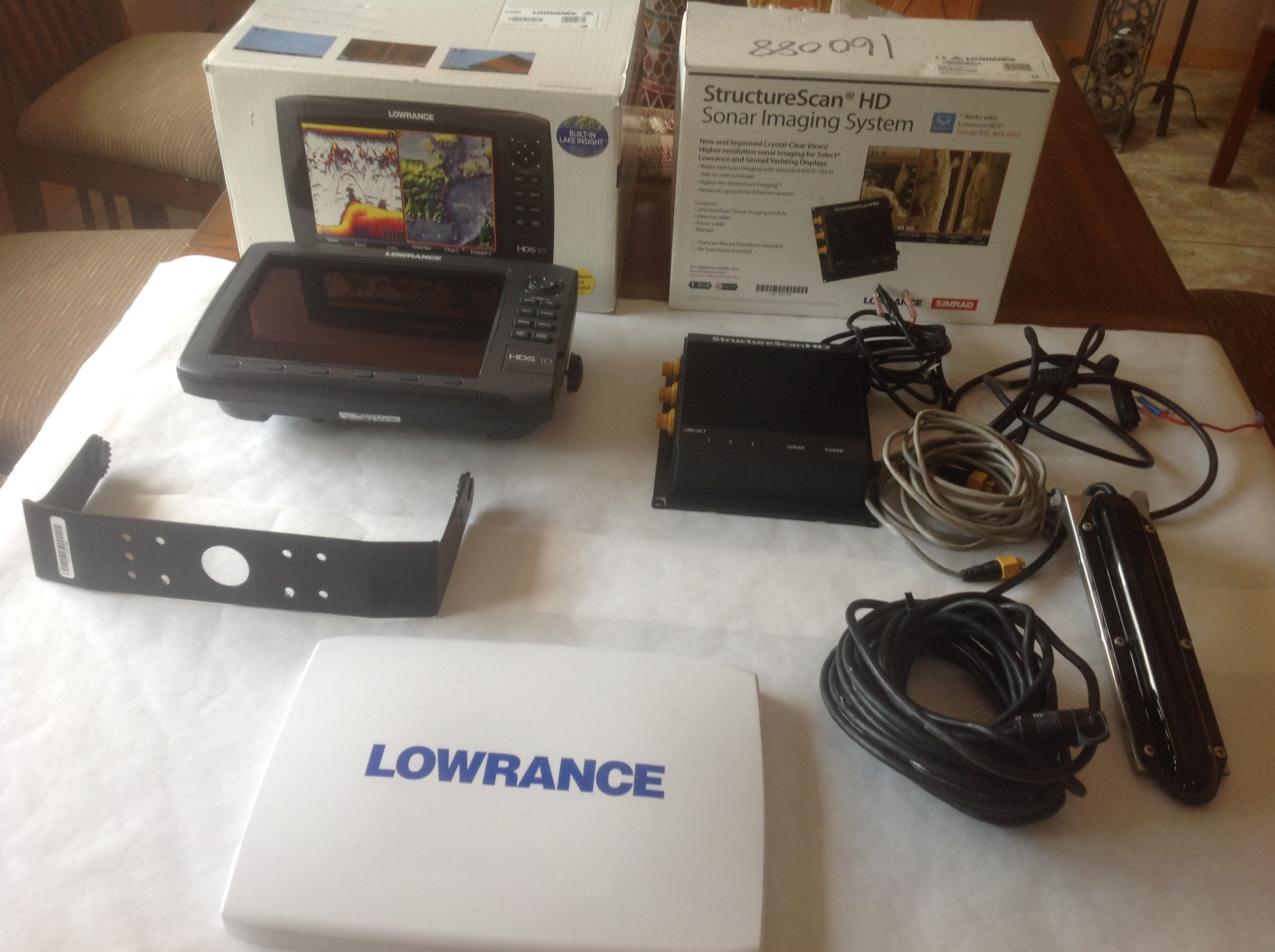 Lowrance HDS 10 gen 2 with Structure Scan - Classified Ads